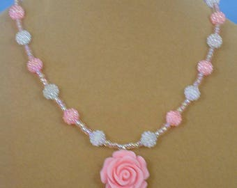"Lovely 18"" Pink Rose Pendant Necklace - N551"