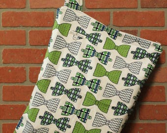 Cloth Diaper Wetbag, Bow Ties, Flannel, Diaper Pail Liner, Diaper Bag, Day Care Size, Holds 12 Diapers, Size Large with Handle #L135