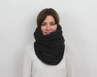 Chunky Knit Cowl Scarf Wool Neckwarmer | THE STRASBOURG in Charcoal