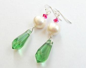 White Pearl Green Crystal Dangle Earrings, Vintage Green Faceted Beaded Earrings, Green White Magenta