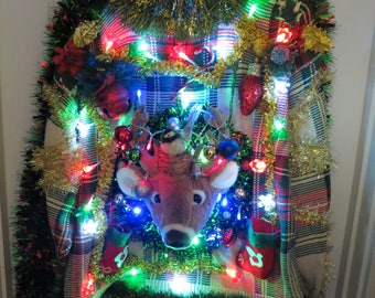 3-D Trophy Deer Head Tangled in Lights Light up Ugly Christmas Sweater Wild Garland Proven Winner Size Medium, Deer Head Mount, Mens sweater