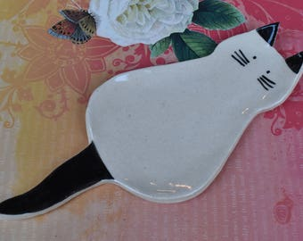 Cat spoon rest. Ceramic cat jewelry holder.Cat plate. Cat ring holder. Siamese cat spoon rest. Cat table display. Handmade small cat plate