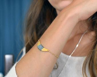 bracelet demi-lune dorée et pailletée - la mallette des minettes