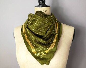 Olive green chain print scarf / gold chain scarf / 90s square neck scarf / green gold chain print head wrap scarf / 90s vintage scarf