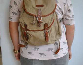 Vintage CANVAS BACKPACK ................(493)