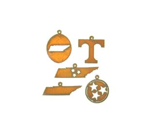 Tennessee State And Tristars Rusty Metal Pendant/Charm Assortment