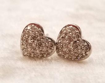 18 K heart shape diamond stud earring