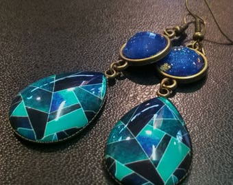 Shades of blue glass dome earrings