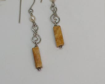 Sterling Silver Earrings with an Agate drop and a Cultured Pearl.