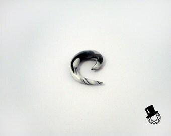 Black and White Spike