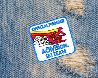 Cool Vintage Style Ski Skiing Iron On Patch 8cm