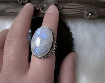 Rainbow Moonstone Silver Ring, Antique Ring, Chunky Moonstone Ring, Goddess, Witch Ring, Size 8.5