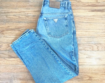 Guess denim , jeans , pants , baggy, dad pants, 90's jeans , size 31 30