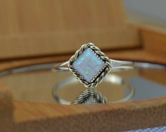 Navajo handmade sterling silver and opal ring size 7