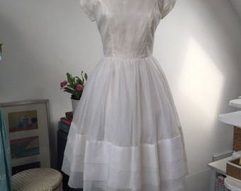 Beautiful White 1950s True Vintage Prom Dress With Full Skirt VGC 8