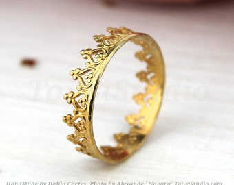 14k Solid gold Crown Ring- Yellow gold queen crown ring