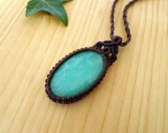 Chrysoprase macrame pendant, macrame jewelry, chrysoprase necklace, macrame stone, gemstone pendant, bohemian jewelry, tribal pendant