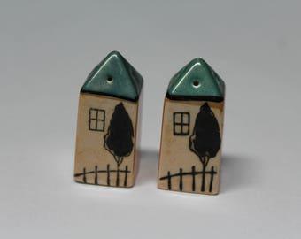 Vintage Lusterware Little Houses Salt and Pepper Shakers, Original Corks, Japan (C257)