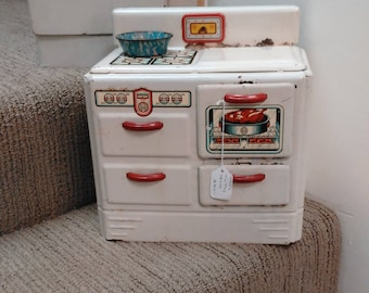 Vintage Tin Litho MAR Toy Stove Red and White!