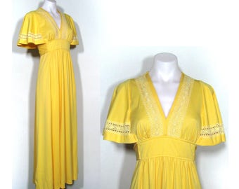 sz. S/M | 70s vintage yellow polyester flutter sleeve hostess goddess maxi dress / vintage 70s yellow maxi dress / empire waist maxi dress