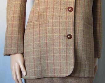 GIVENCHY 1980's VINTAGE Wool & Silk suit, Paris, France. Original Logo Buttons and Lining. Taille 46, US14, UK18. Collection Item.
