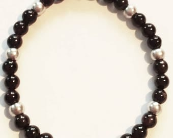 Bracelet made of Garnet and pearl beads