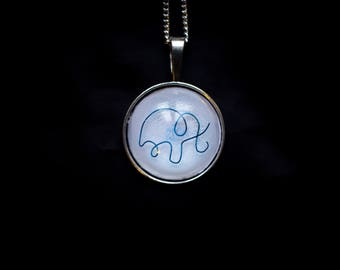 Pendant necklace minimalist elephant