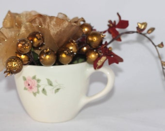 Handcraft Beautifully Decorated Ceramic Floral Decor in a Cup