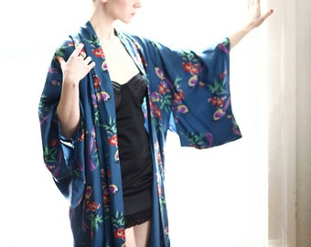 SALE- Vintage Kimono in Blue Bird Print