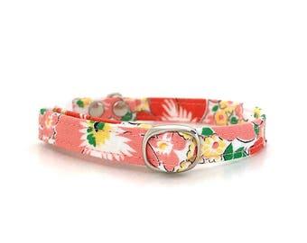 Retro Floral Breakaway Cat Collar / Tiny Dog Collar