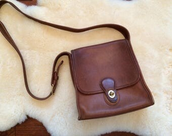 SALE / vintage Coach crossbody bag purse / British Tan