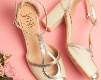 Pia Wedding Silver - Wedding shoe, pump sandals in ivory and silver leather. Handmade in Argentina