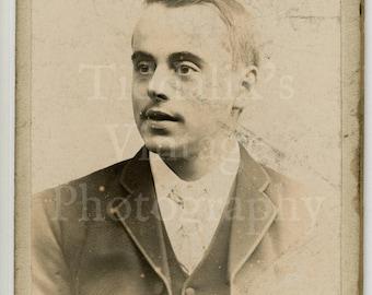 CDV Carte de Visite Photo - Victorian Young Smart Handsome Dapper Man Portrait - Lindsey of Darwen England - Antique Photograph