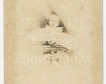 CDV Carte de Visite Photo Victorian Baby Portrait Identified 1867 - Islington N London England - Antique Photograph