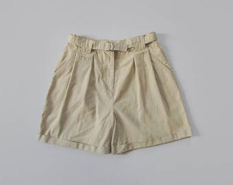 vintage baggy high waisted shorts / tan pleated shorts / natural fabric knee length shorts / womens L - XL