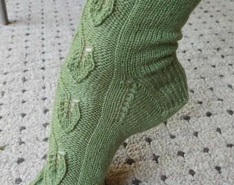 Forest Green Leaf Patterned Socks