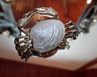 Signed GERRY'S White Enamel Seashell Rhinestone Crab Lapel Pin