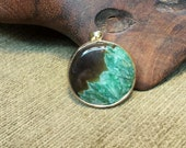 Green Crystal and Black Agate Druzy Round Pendant