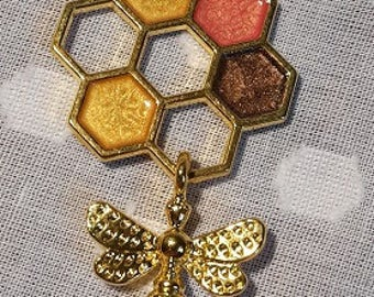 Honeycomb with bee - molecule pendant - gold plated - colour detail and texture