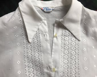 Vintage Blouse shirt 1970's Embroidered front White Ex-small Very good undamaged condition For women girl clothing workwear tailored