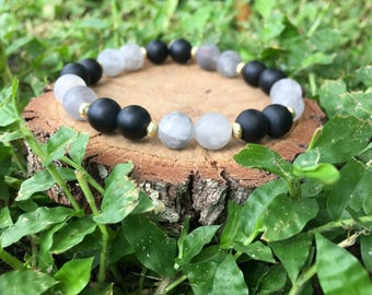 Cloudy Quartz(8mm) & Black Onyx Agate Bracelet - Beaded Bracelet - Oliver Grey Jewelry - Gemstone Bracelet - Earthy Jewelry