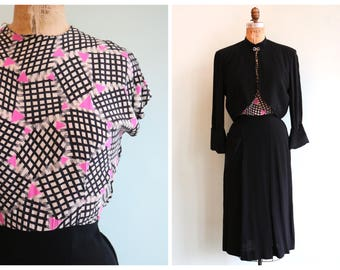 Vintage 1940's Hot Pink Triangle Print Dress | Size Medium