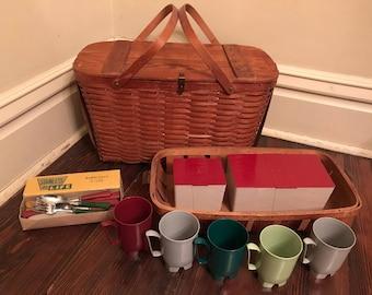 Vintage Jerywil Wov-N-Wood Picnic Basket with  Insert, Tableware/Vintage Picnic Basket Set