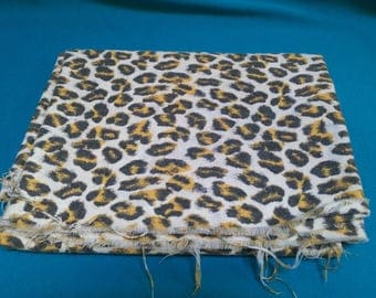 Vintage Animal Print Material Fabric Sewing Crafts Hobbies