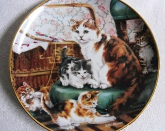 Beautiful collectible-Cats-Franklin Mint-Stitchin kittens-Lesley Hammett-Vintage CAT/cats collector plate