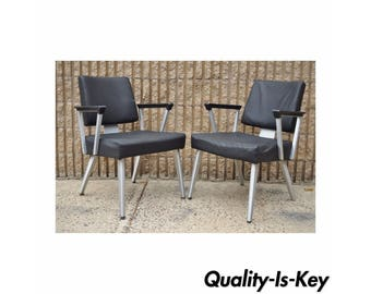 Pair Vintage Mid Century Modern General Fireproofing Good Form Aluminum Office Arm Chairs Retro