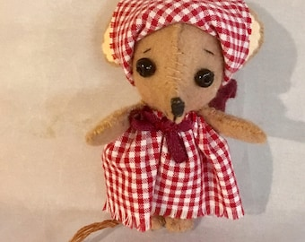 Tiny Little Country Mouse- Hand Sewn 3""