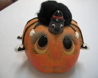 ceramic Halloween pumpkin spider novelty decoration
