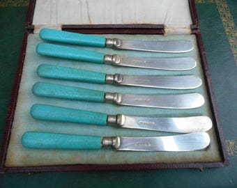 Vintage Silver Plate  Butter Knifes. Boxed Set of 6 Butter Knifes. Art Deco Butter Knifes Bakelite handles