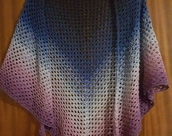 Beautiful granny triangle shawl